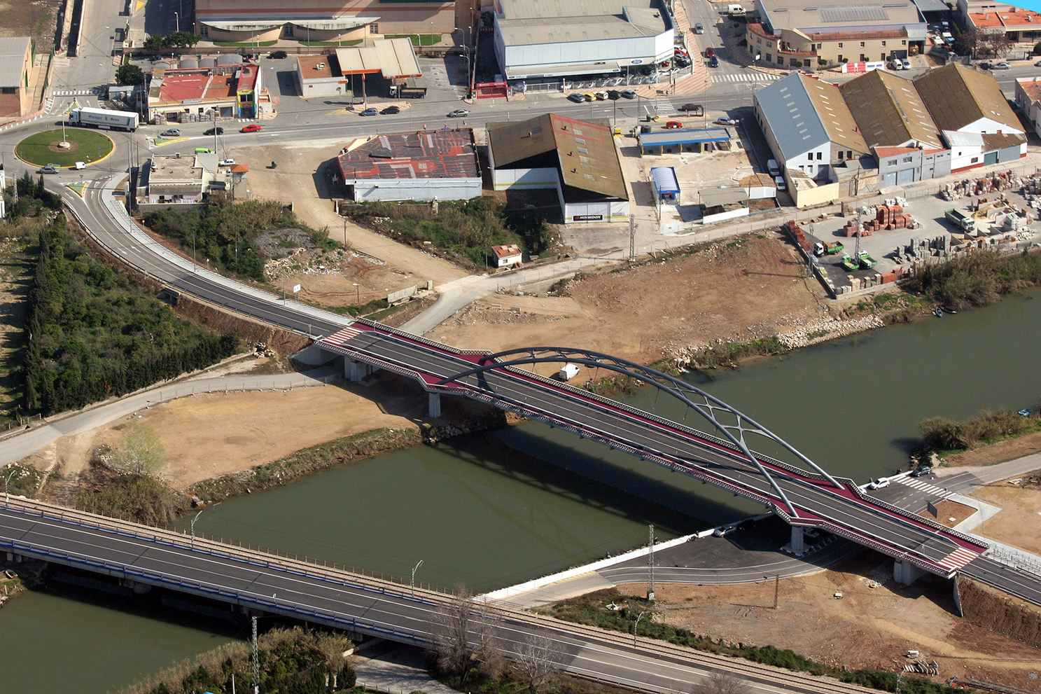 https://zeppeline.es/wp-content/uploads/2015/09/ingenieria-vista-aerea-puente-video-fotografia-aerea.jpg