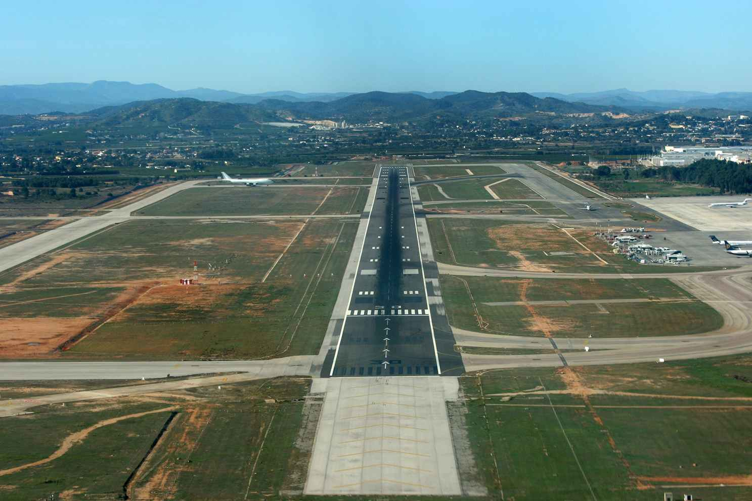 https://zeppeline.es/wp-content/uploads/2015/09/vista-area-aeropuerto-video-fotografia-aerea.jpg